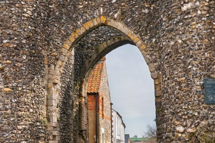castle-acre-gate