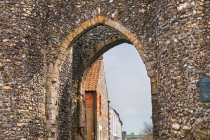 castle-acre-gate