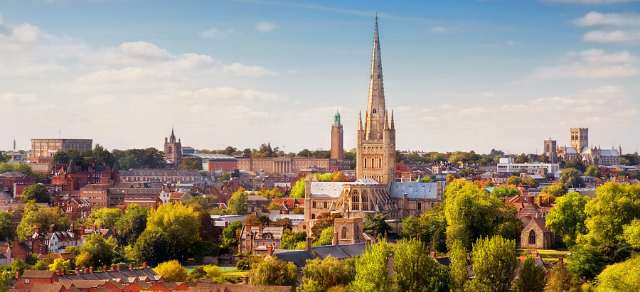 A panoramic view of Norwich, showing Norwich Castle and Norwich Cathedral