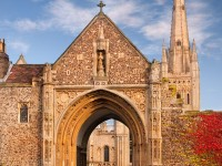 norwich-cathedral-gate